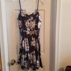 Old Navy Gray Floral Dress